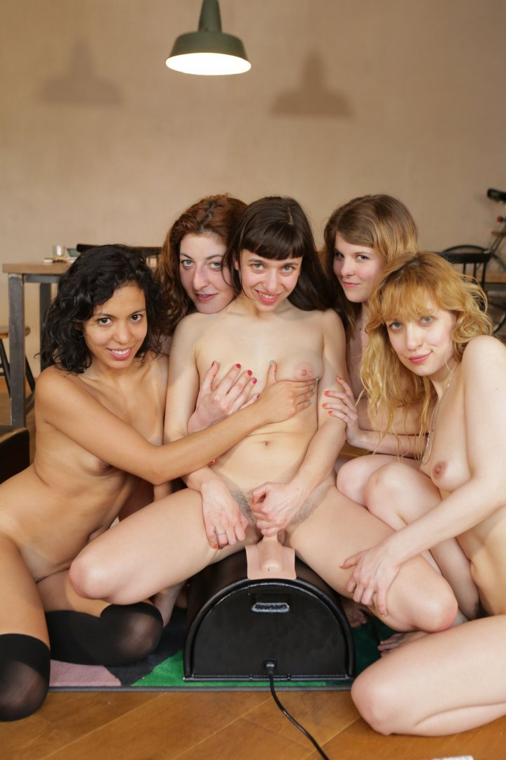 Nude ersties Naomie Harris